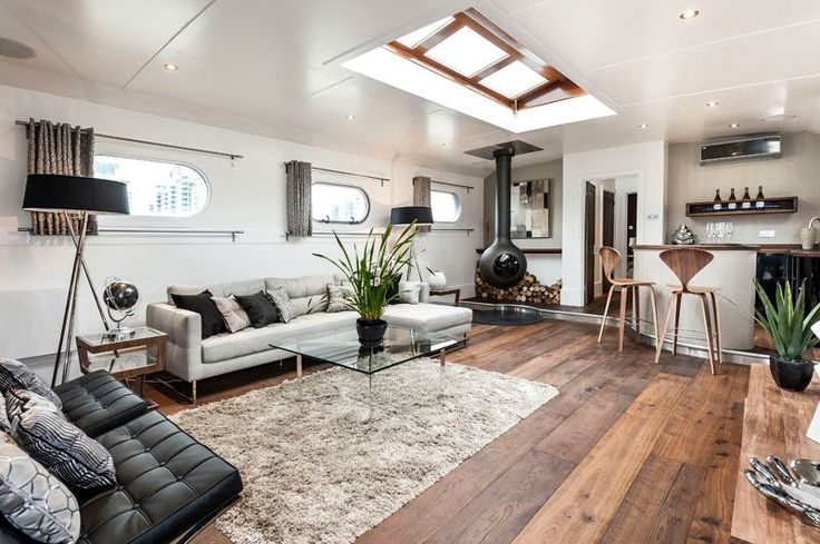 How to transform an old boat in a luxury penthouse - The 130ft Dutch barge, built in 1959 is transformed in a luxury floating penthouse. It is moored at Oyster Pier, a new development in Battersea, South London and it is the first boat to have been refitted so far, and there is space at the harbor for nine more floating penthouse. Prices for barge... #London
