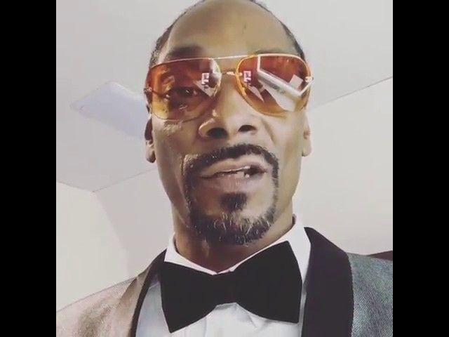 """Snoop Dogg """"Dares Any Black Person To Perform At Donald Trump's Inauguration""""    https://www.hiphopdugout.com/videos/snoop-dogg-dares-any-black-person-to-perform-at-donald-trump-s-inauguration"""