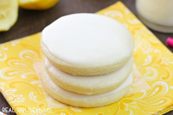 Lemon lovers! These GLAZED LEMON BUTTER COOKIES deliver the perfect ...