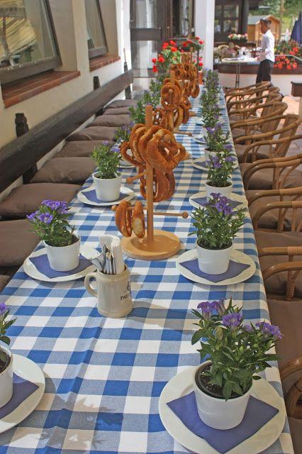Biergarten auf der Seeterrasse am Riessersee - Hochzeit in Apricot, Rosé und Apfelgrün im Riessersee Hotel Garmisch-Partenkirchen, Bayern, Hochzeitshotel für Hochzeiten am See in den Bergen; wedding in Bavaria, #riessersee, #Garmisch, #Hochzeit