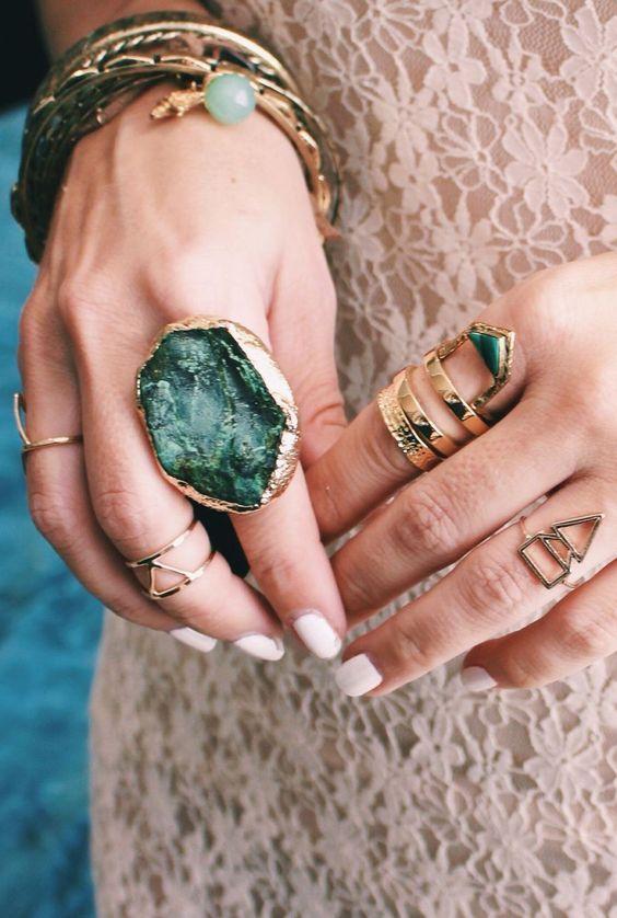 Anel de pedra. Mix de anéis. Notore Blog