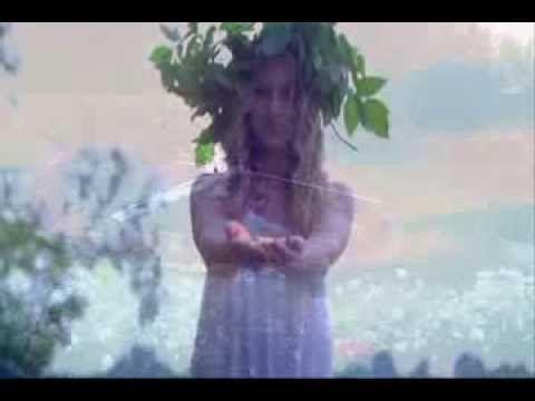 """""""Las Hadas del Reloj"""" (video musical) Album """"Tierra Mar y Cielo"""" , Lavinia Lamar CD Baby 2012"""