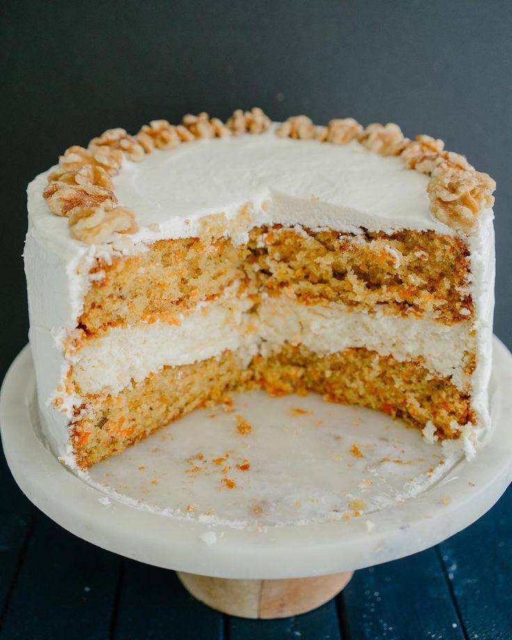 """2,307 curtidas, 48 comentários - ♥ Vai Comer o Quê ♥ (@vaicomeroque) no Instagram: """"Olha a receita que acabou de sair no canal: CARROT CAKE 😱😋 esse bolo tradicional americano foi…"""""""