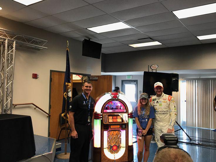 Kentucky donates gift to Nationwide Children's Hospital in Earnhardt's name | Hendrick Motorsports