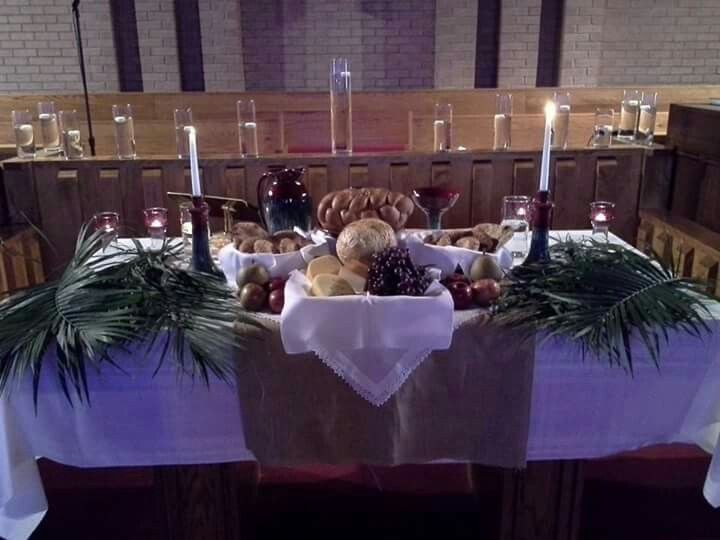Communion Table Maundy Thursday Church Ideas