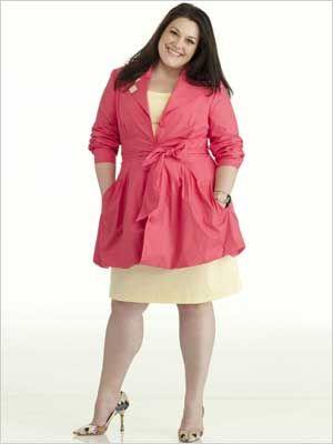Oh La La Curves: Inspiration : Brooke Elliott!! Love her. Great look for mom. Petit but curvy.