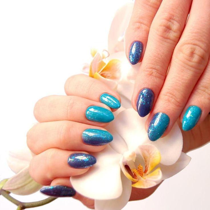 """Niebieska stylizacja paznokci hybrydowych / Błyszczący efekt Star Glow / NeoNail / <a href=""""https://www.neonail.pl/product/5817-1-lakier-hybrydowy-6-ml-twinkling.html"""">✨Sprawdź produkty✨</a>"""