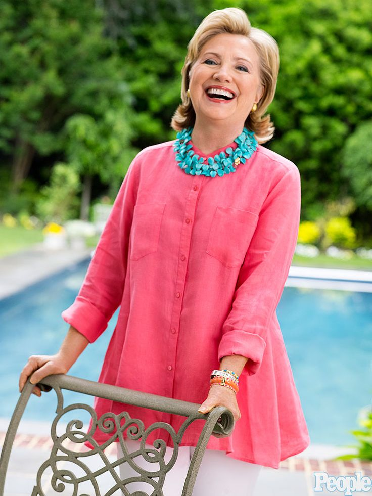 I am not interested in voting for Hillary Clinton...but, I like her clothes!  Hillary Clinton Photo Mystery Isn't a Mystery at All - Hillary ...