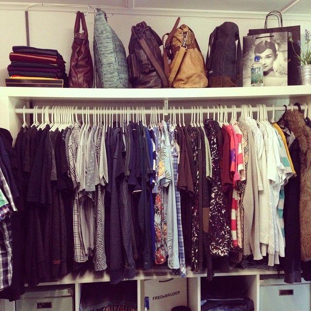 Fresh sorted.....I like it like it come on.....#wardrobe #kleiderschrank #expedit #ikea #selfmade #potterhead #potterlove #harrypotter #potterscarf #fredsbruder #taschen #bags #leder #leather #audreyhepburn #fijiwater #lovefashion #fashion #mode #kleidubg #klamotten #clothes
