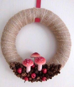krans jute met paddenstoel