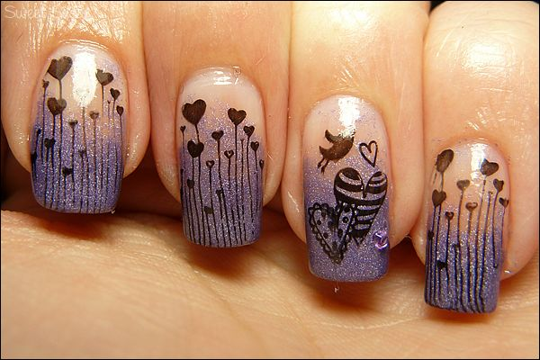 Hearts from Sweet Sugar - uses Konad m83.  She uses a regular sponge for the gradient.
