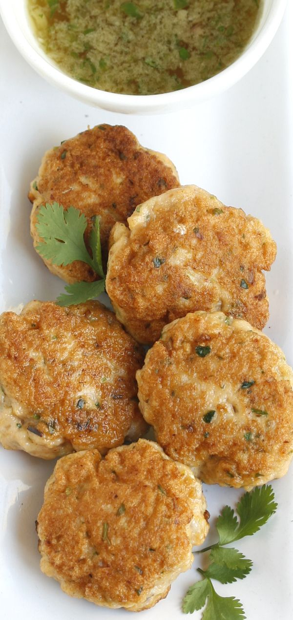 This recipe for Thai fishcakes with chilli-lime dipping sauce in Sonia Cabano's book; 'Easy, Simply and Delicious' caught my attention because I love Thai fishcakes, and have neve…