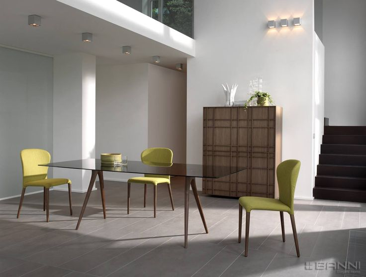 We have a wide range of modern and classical #tables in different materials and finishes. Fixed or extendable, wooden tables, laminate, glass, lacquered, or in other fine materials. Ask our interior designers #inbanni #confortable #furniture #design #homedeco #elegante #diseño #mobiliario