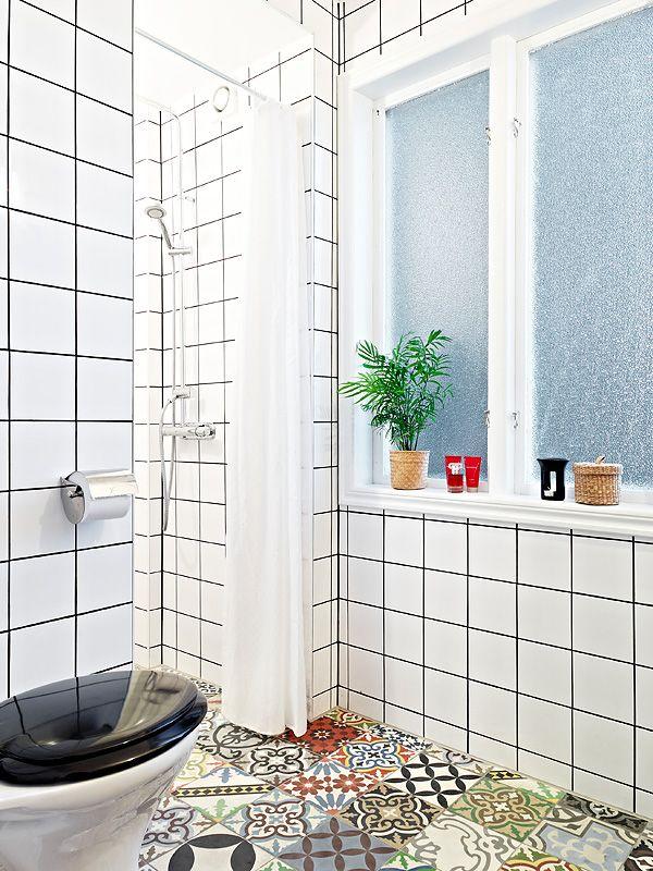 white walls, mixed color/pattern floor – Husligheter.se