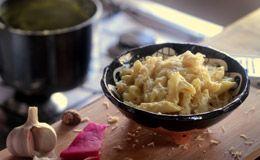 Mac'n'cheese: veja como fazer o macarrão de forno com queijo, a receita original americana.