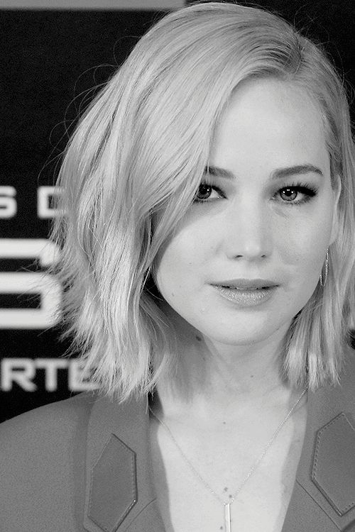 """Jennifer Lawrence attends a photocall for 'The Hunger Games: Mockingjay - Part 2' (Los Juegos Del Hambre: Sinsajo - Parte 2) at the Villamagna Hotel on November 10, 2015 in Madrid, Spain. """