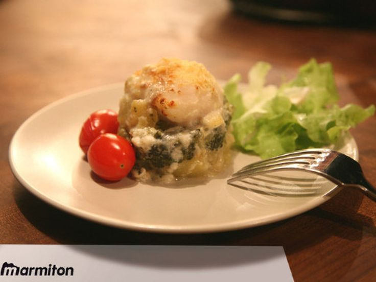 Gratin de poisson au brocolis et pommes de terre : Recette de Gratin de poisson au brocolis et pommes de terre - Marmiton