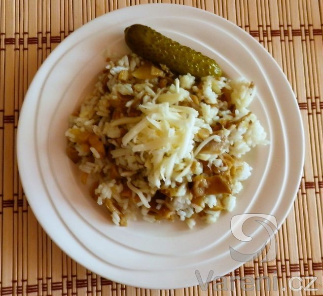 Recept Rizoto s hlívou ústřičnou - Dlouhozrnná rýže,  eidam a jde to taky :)