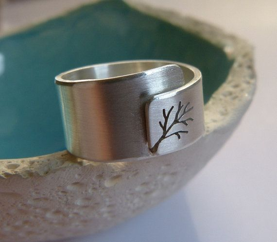 Adjustable tree ring Sterling silver ring wide band ring por Mirma