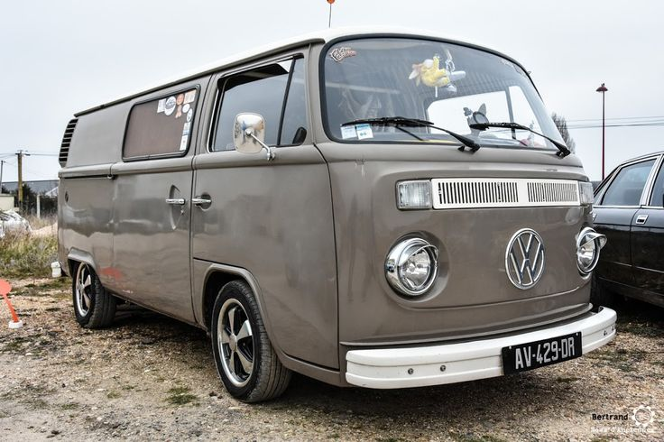 volkswagen combi au rasso de st lubin les joncherets reportage. Black Bedroom Furniture Sets. Home Design Ideas