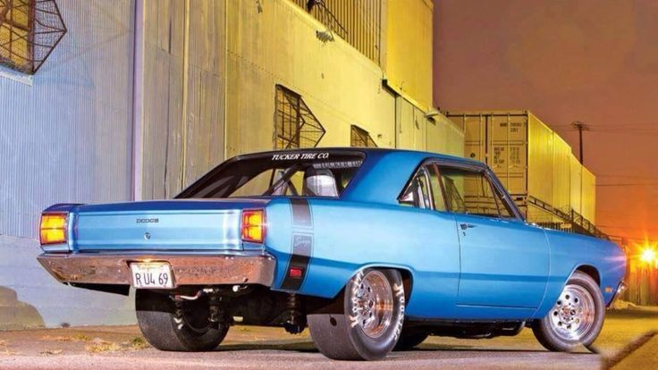 1969 Dodge Dart hotrod, rear 3/4 view.