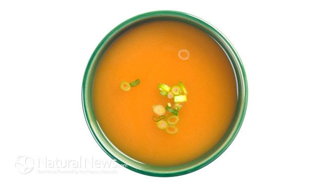 6 Health Benefits of Bone Broth & How to Make Your Own