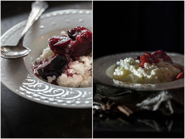 Mehustetut lakritsiluumut tekevät riisipuurosta entistäkin parempaa. Nämä ihanat jäätelön tai kermavaahdon kanssakin sopivat herkut löysin Teresa Välimäen ja Johanna Lindhomin Hyvää Joulua -kirjasta.