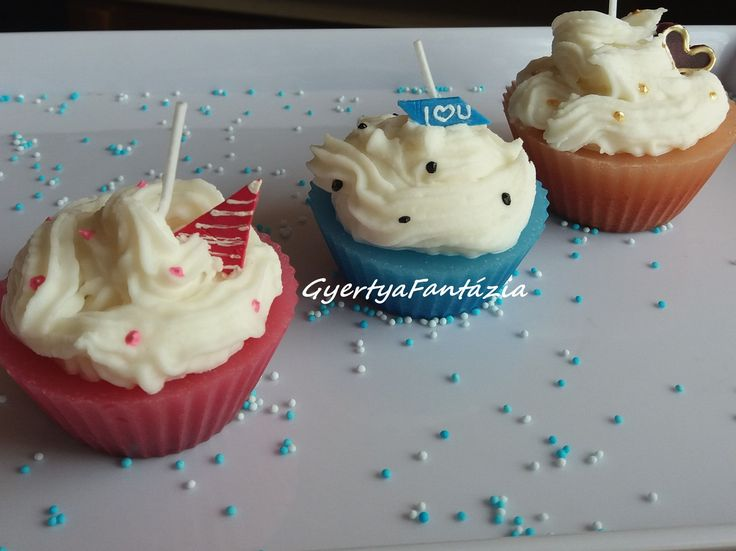 Muffin gyertya.Cupcake candles.Beautiful and handmade.