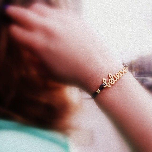 DIY 3D printed custom friendship bracelet from www.zazzy.me. Customizable, personalizable and wordplay bracelet.