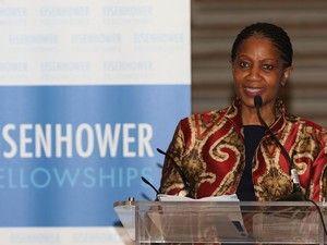 A diretora executiva da ONU Mulheres afirma que os comportamentos vão mudar depois de numerosas mulheres terem quebrado o silêncio http://expresso.sapo.pt/sociedade/2017-11-23-ONU-Mulheres.-Denuncias-de-assedio-sexual-estao-apenas-no-comeco/