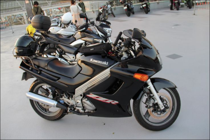 Street motorcycle in Japan 2015 - Kawasaki ZZR250