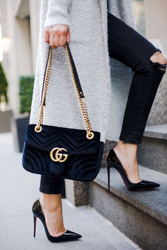 515fb4dbcc7a Gucci Marmont bag / street style fashion #desginerbag #luxury #gucci  #streetstyle #fashion / Instagram: @fromluxewithlove