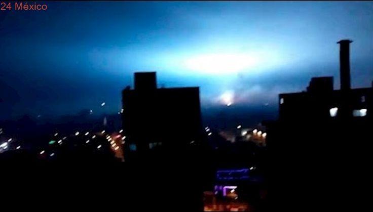 Graban fuertes destellos en el cielo durante el sismo de 8.1 de esta noche en la CDMX