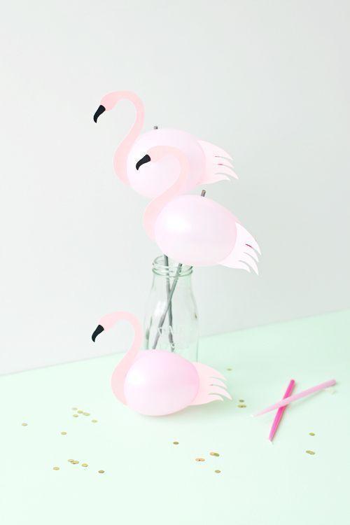 DIY Flamingo Balloons