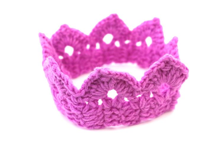 The Crochet Baby Crown