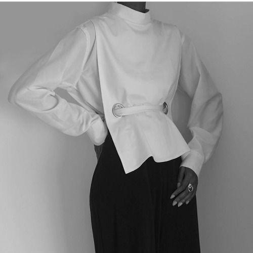Minimalist Style - buttonless white shirt; simplicity; minimal fashion // Wolcott : Takemoto
