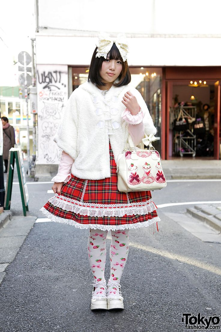 Harajuku Lolita in Red Tartan Baby The Stars Shine Bright JSKJapan Lolita, Shinee Bright, Japanese Lolita, Red Tartan, Bright Red, Japan Fashion, Bright Dresses, Stars Shinee, Japan Street