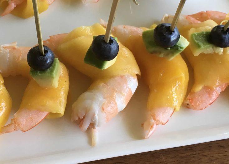 Rollitos de langostino y mango con mayonesa de albahaca