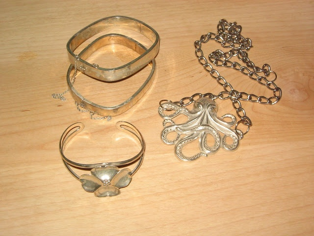 """My mom has been using this method of cleaning jewelry for years. Works great! The """"miracle"""" of baking soda and peroxide. Put 1/4 cup of baking soda in a bowl.....add enough peroxide to make a paste. Rub on with fingers or sponge. Cleans EVERYTHING! Stove, oven, pans, stainless steel applicances, even the white handles of the refrig door."""