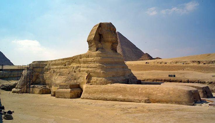 La Sfinge; ca 2550 - 2500 a.C, Antico Regno; collinetta calcarea scolpita; Necropoli di Giza, presso Il Cairo