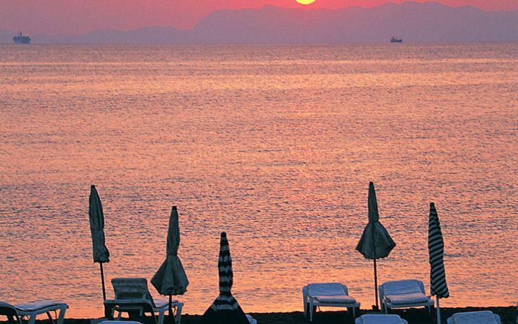Nyd smukke solnedgange på Rhodos. Se mere på www.apollorejser.dk/rejser/europa/graekenland/rhodos