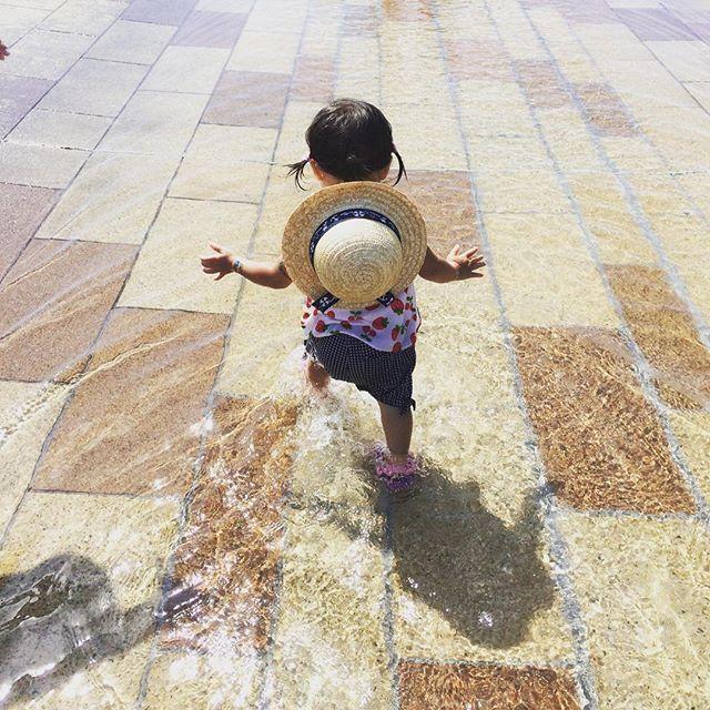 . 隠し子♪ . . 1/5生まれだから通称いちごちゃん🍓 食べちゃいたいくらい可愛すぎっ😆💕💕 残念ながら我が子ではなく、中学からの同級生の子😊 先日川下公園でBBQした時に、あまりの暑さにお水遊びの図😍 いつも私を癒してくれます✨✨ この日もいっぱい遊んでもらっちゃいましたぁ💖 . . . #ひそかに#夏#満喫中#大人の#夏休み#札幌#sapporo#札幌グルメ#美食#子連れランチ#女子会#肉#焼肉#BBQ#バーベキュー#仲間#友人#友だち#心友#癒し#空間#光合成#ストレス発散#しあわせ