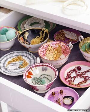 Decoratieve kommetjes in een lade voor je sieraden, erg leuk idée!