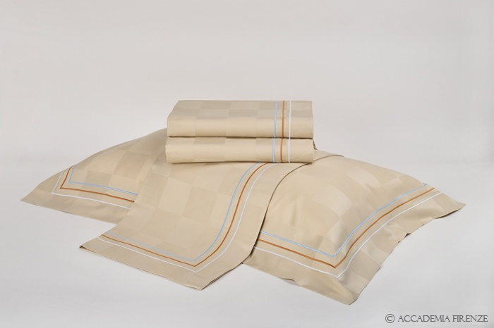 Buy SORRENTO BED SET online. Pure #Egyptiancotton sateen. Amancara, luxury linens since 1952.