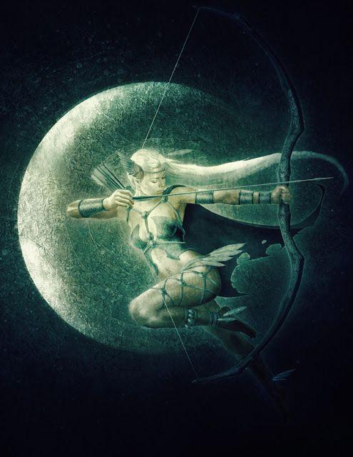 Ártemis: representada com arco e flecha e muitas vezes com a lua.