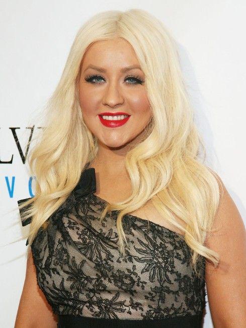 Christina Aguilera en capas onduladas largas peinados //  #Aguilera #capas #Christina #Largas #onduladas #Peinados