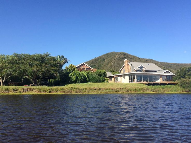 Apartment in Plettenberg Bay, South Africa. Right on the river bank with beautiful views. Great birding location, migrants from all over the world and many endemic species.  Close to Keurbooms, Crags and Plettenberg Bay beaches.  Braai facilities, DSTV and WIFI Sleeps 4, But 2 on couch by s...