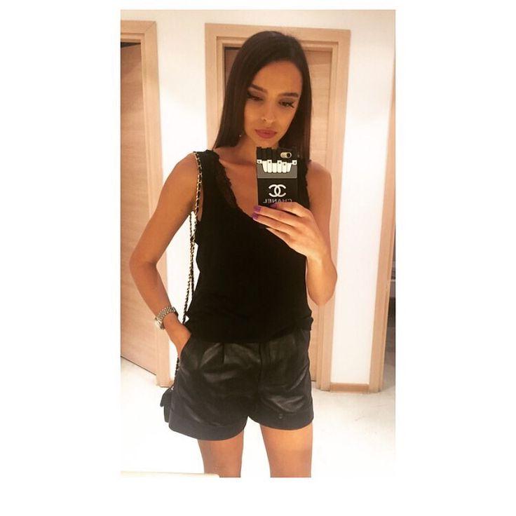 #Manokhi black leather shorts,available also in white on www.manokhi.com