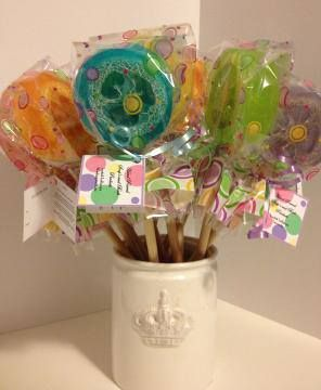 Loofa lollies!  Soap up and scrub at the same time.  Adorable! #maggiesbathhouse, #piperbarn
