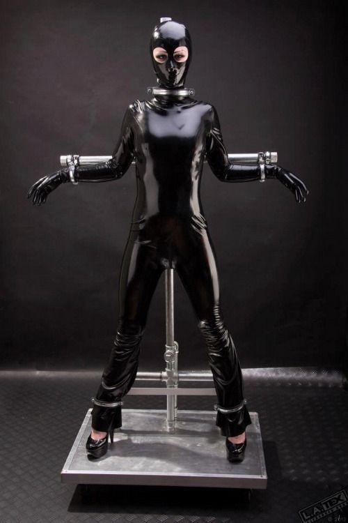 Machines bondage in clothes | XXX foto)